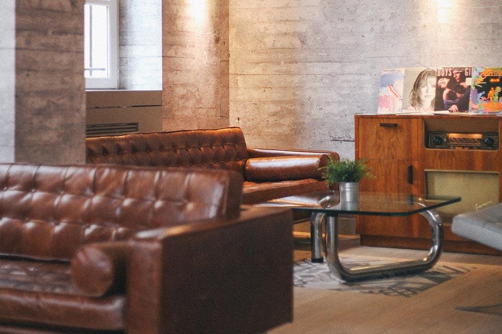 espace lounge du meetropolitan espace de coworking à bordeaux centre