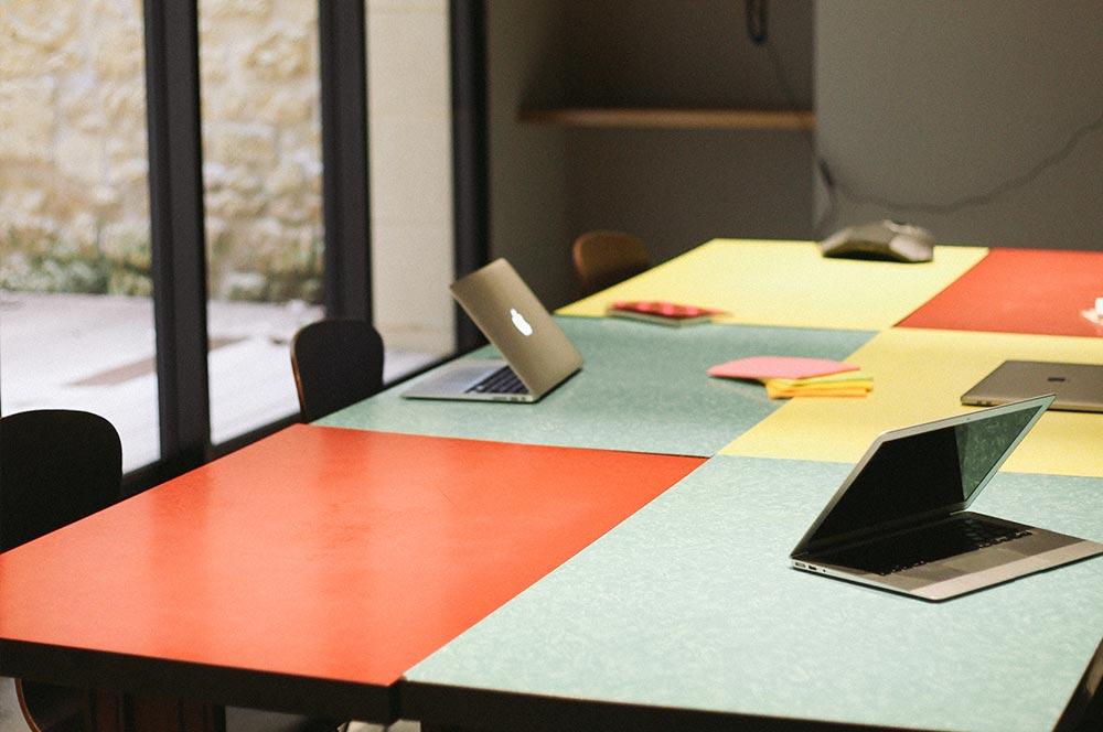 La Créative room, salle de réunion du meetropolitan espace de coworking à bordeaux centre
